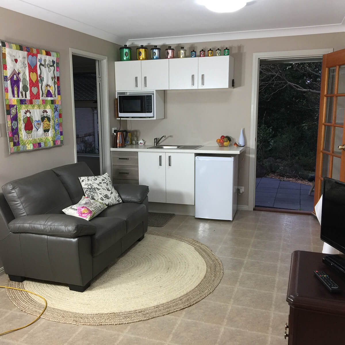 cedar-room-kitchenette