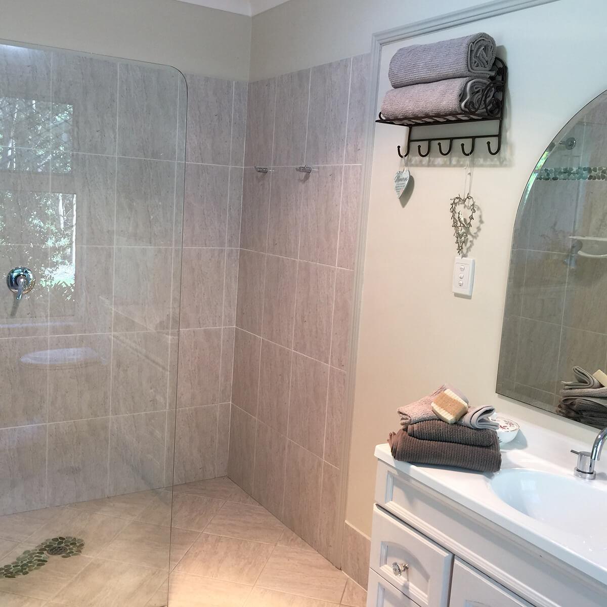cedar-room-shower
