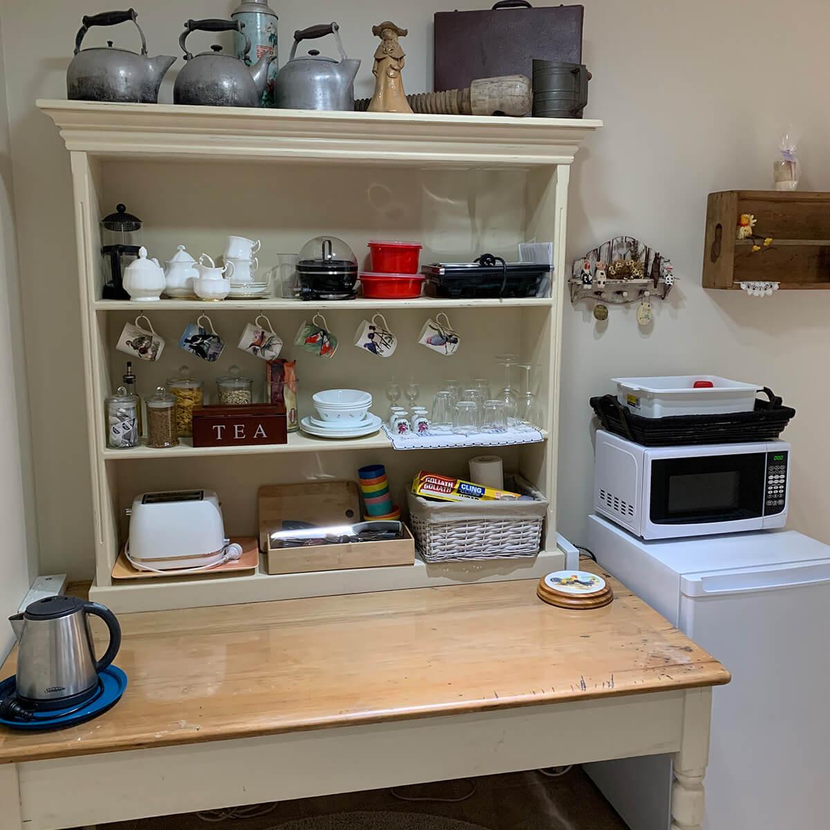 wren-room-kitchenette